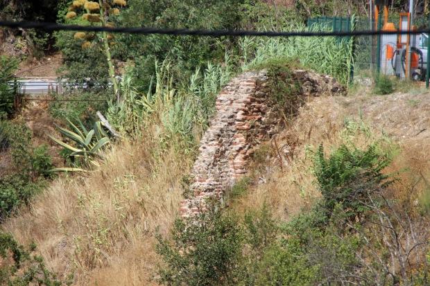 sant_jeroni3_Vestigios de un antiguo muro del monasterio