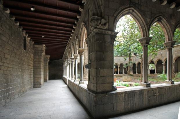 santa_anna5_claustro del antiguo monasterio