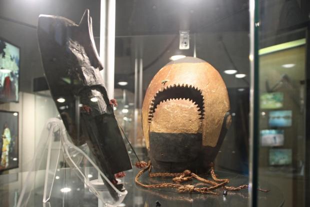 museu_africa3_mascara_hecha_con_cabeza_tiburon_tribu_bidyogo_burkina_faso